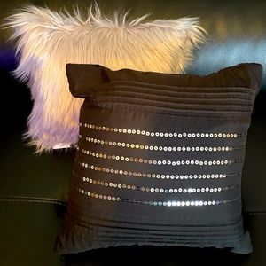 2 Throw Pillows Bedroom Bed Couch Fur Sequin